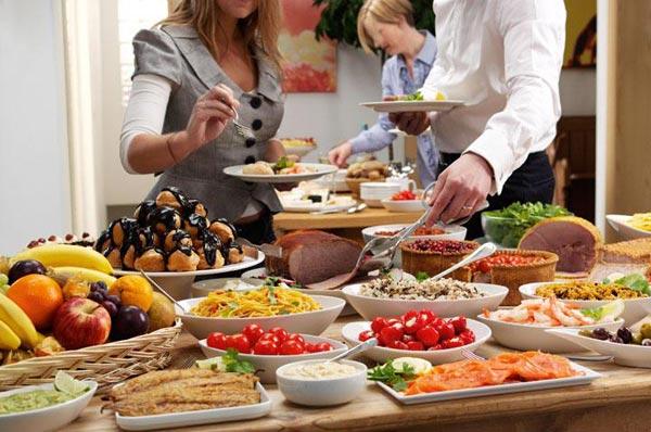 an buffet la gi huong dan an buffet sao cho dung cach va lich su 2 - Ăn Buffet là gì? Hướng dẫn ăn buffet sao cho đúng cách và lịch sự