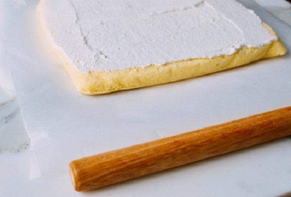 bat mi 4 cach lam banh bong lan tuyet hao cho cac ba noi tro 6 - Bật mí 4 cách làm bánh bông lan tuyệt hảo cho các bà nội trợ