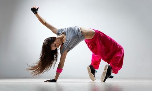 bboy la gi bgirl la gi breakdance va nhung buoc nhay co ban 2 - Bboy là gì? Bgirl là gì? Breakdance và những bước nhảy cơ bản