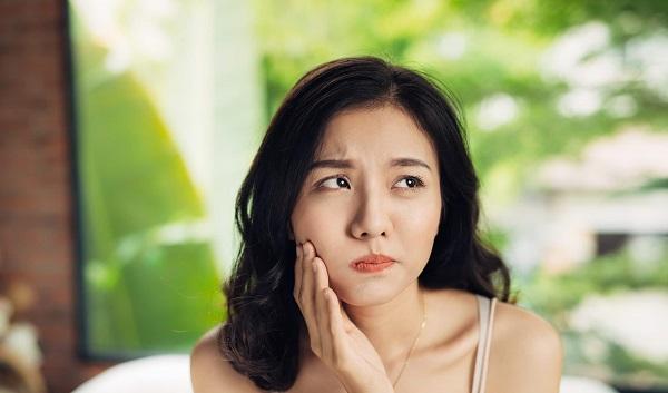 e rang la benh gi nguyen nhan va cach dieu tri e rang tai nha - Ê răng là bệnh gì? Nguyên nhân và Cách điều trị ê răng tại nhà