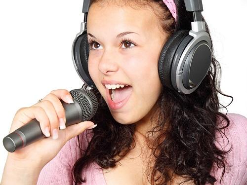 lam the nao de hat hay luyen hat hay voi 5 buoc don gian tai nha 1 - Làm thế nào để hát hay? Luyện hát hay với 5 bước đơn giản tại nhà