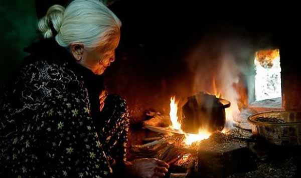 phan tich bai tho bep lua cua bang viet – ngu van lop 9 1 - Phân tích bài thơ Bếp lửa của Bằng Việt – Ngữ Văn Lớp 9