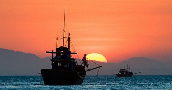 soan bai doan thuyen danh ca cua huy can – ngu van 9 3 - Soạn bài Đoàn thuyền đánh cá của Huy Cận – Ngữ văn 9