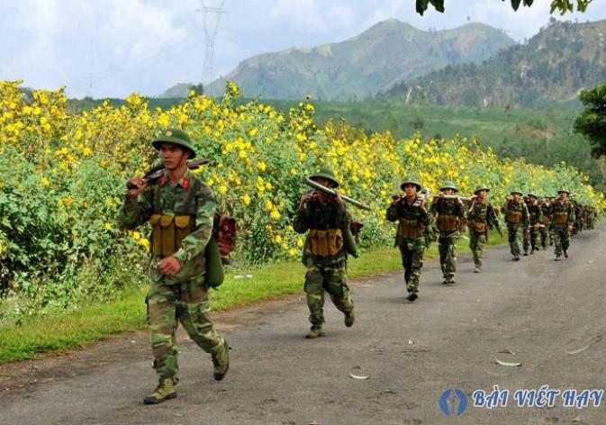 cam nhan hinh anh doan quan lung lay trong bai tho viet bac - Cảm nhận hình ảnh đoàn quân lừng lẫy trong bài thơ Việt Bắc