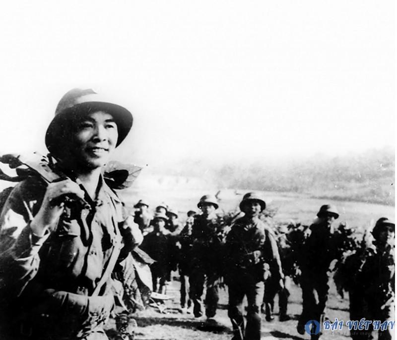 cam nhan hinh anh nguoi linh ha thanh trong bai tho tay tien - Cảm nhận hình ảnh người lính Hà Thành trong bài thơ Tây Tiến