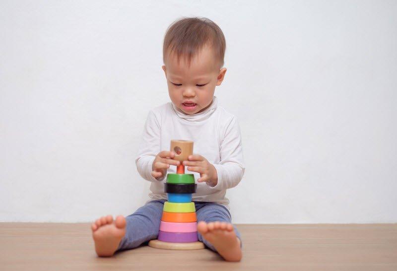 em be dang tuoi tap di tap noi - Tả em bé lớp 5, bài văn mẫu miêu tả em bé 1 2 3 tuổi tập đi tập nói, sơ sinh