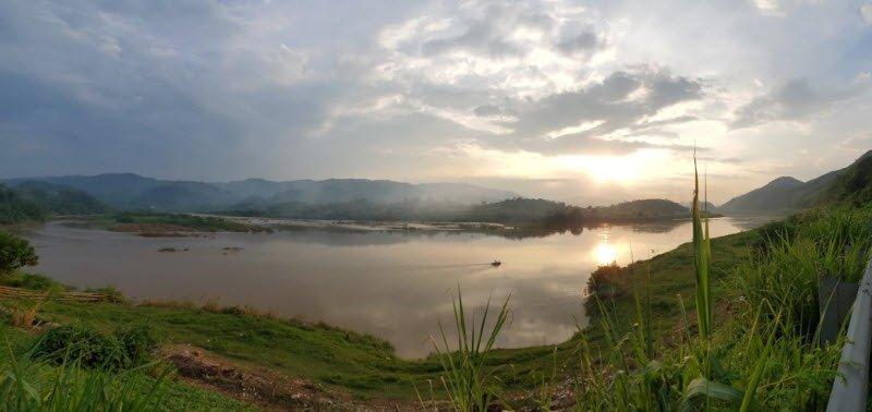 song hong ha noi - Tả sông Hồng lớp 5 hay nhất - 3 bài văn miêu tả con sông Hồng quê em