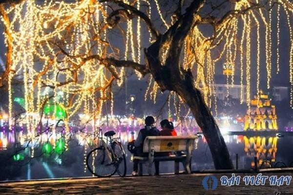 top 10 bai van mau ta canh ho guom ha noi dat diem cao moi nhat 5 - Top 10 bài văn mẫu tả cảnh Hồ Gươm Hà Nội đạt điểm cao mới nhất