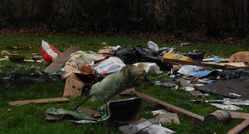 xa rac bua bai - Nghị luận về vấn đề rác thải - 3 bài văn về hiện tượng xả rác bừa bãi hay ngắn gọn