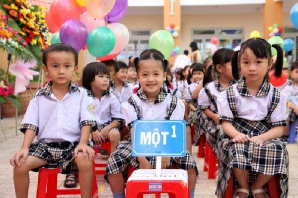 top 10 bai van mau ke lai nhung ki niem ngay dau tien di hoc 9 - Top 10 bài văn mẫu kể lại những kỉ niệm ngày đầu tiên đi học