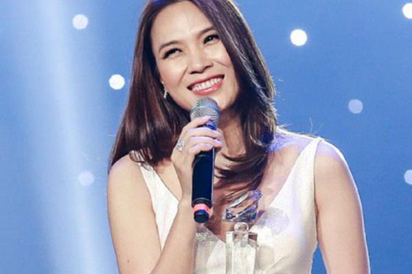top 10 bai van mau ta ca si dang bieu dien hay nhat 3 - Top 10 bài văn mẫu tả ca sĩ đang biểu diễn hay nhất