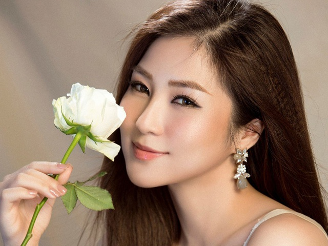 top 10 bai van mau ta ca si dang bieu dien hay nhat 5 - Top 10 bài văn mẫu tả ca sĩ đang biểu diễn hay nhất