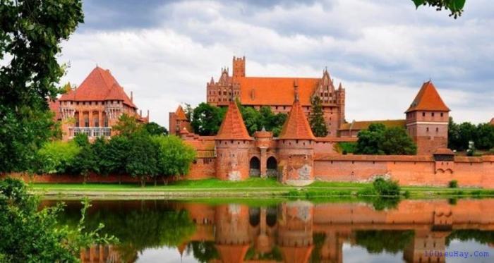 top 10 dia diem du lich dep noi tieng nhat o ba lan 7 - Top 10 địa điểm du lịch đẹp nổi tiếng nhất ở Ba Lan