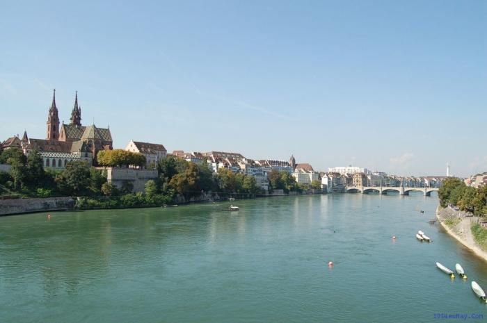 top 10 dia diem du lich dep noi tieng nhat o thuy si 2 - Top 10 địa điểm du lịch đẹp nổi tiếng nhất ở Thụy Sĩ