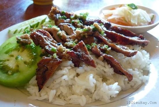 top 10 mon an ngon noi tieng nhat o campuchia 1 - Top 10 món ăn ngon nổi tiếng nhất ở Campuchia
