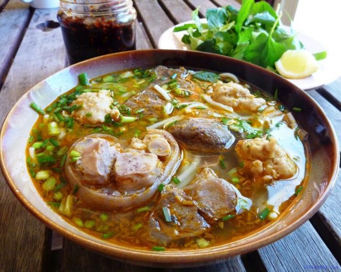 top 10 mon an ngon noi tieng nhat viet nam 3 - Top 10 món ăn ngon nổi tiếng nhất Việt Nam